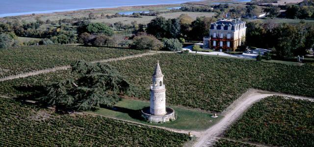 Chateau la tour-de-by
