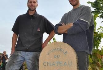 Pierre & Arthur au vignoble du Château de Javernand
