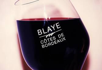 La robe du Blaye Côtes de Bordeaux du Château Lavenceau