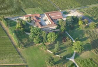 Vue aérienne du Château Magence