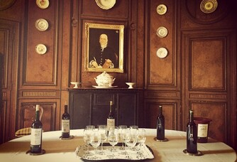 Salle de dégustation du Château de Monbadon