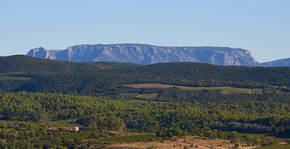 Domaine La Madura - Les montagnes au loin