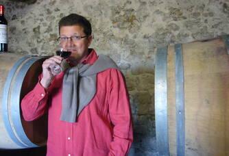 Dominique Guffond en dégustation au Château Le Sepe