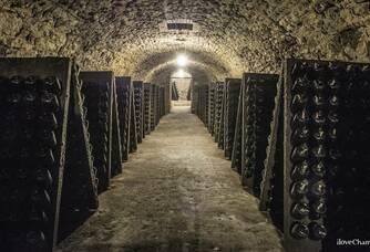 Une autre partie de la cave du Champagne De Sousa