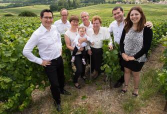 L'équipe familiale du Champagne Roger-Constant Lemaire